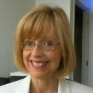 Lesley MacArthur MD
